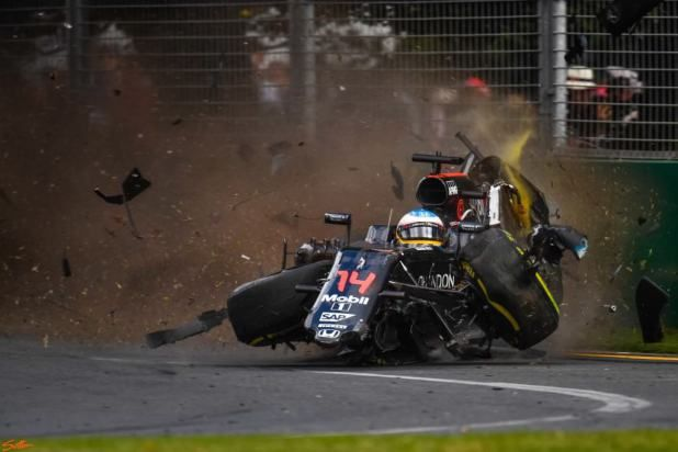 Nikon D5 F1 crash samples (2)
