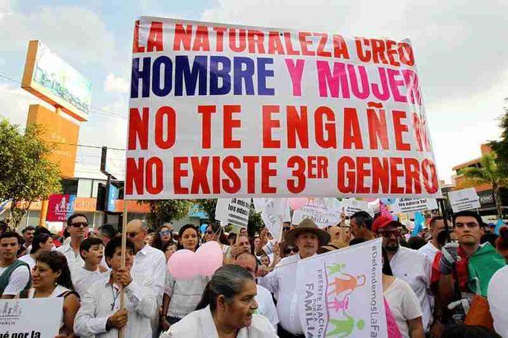 """México está promoviendo la unión de países como Colombia, Panamá y Perú, para contrarrestar """"pensamientos y libertades"""" como el matrimonio gay y la educación sexual con contenidos LGBTI."""