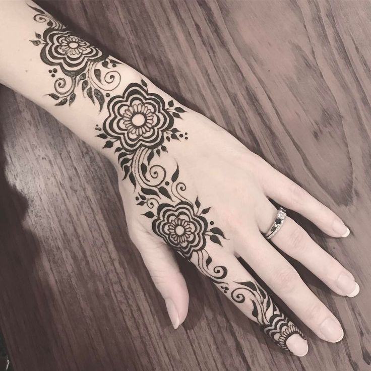 leichte henna muster are simple tattoos the best ones what do you think hennas henna bilder. Black Bedroom Furniture Sets. Home Design Ideas