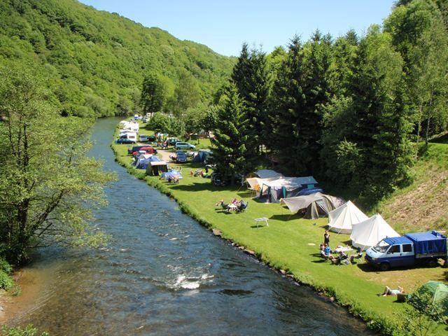 Camping Bissen is een 4-sterren camping, waar je kan kamperen aan de oever van de Sûre. Tevens is er de mogelijkheid om een stacaravan te huren. Hier kan je een ontspannende vakantie in een prachti…