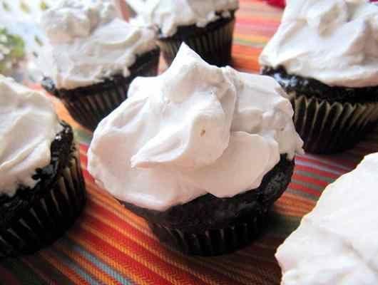 Schokoladen Cupcakes mit Vanille Schlagsahne Zuckerguss | Zutaten Cupcakes 1 …