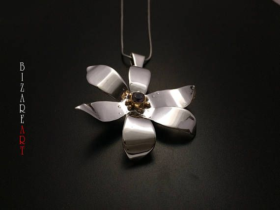 Narcissus flower pendant Sterling Silver 9.25