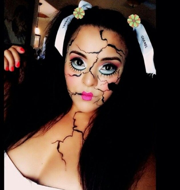 Awesome broken doll makeup