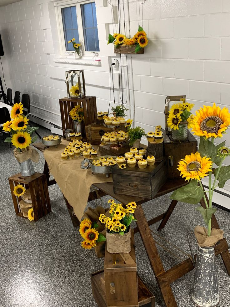Best 12 With bees & sunflowers