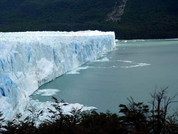 Glaciar Perito Moreno en en plena Patagonia argentina