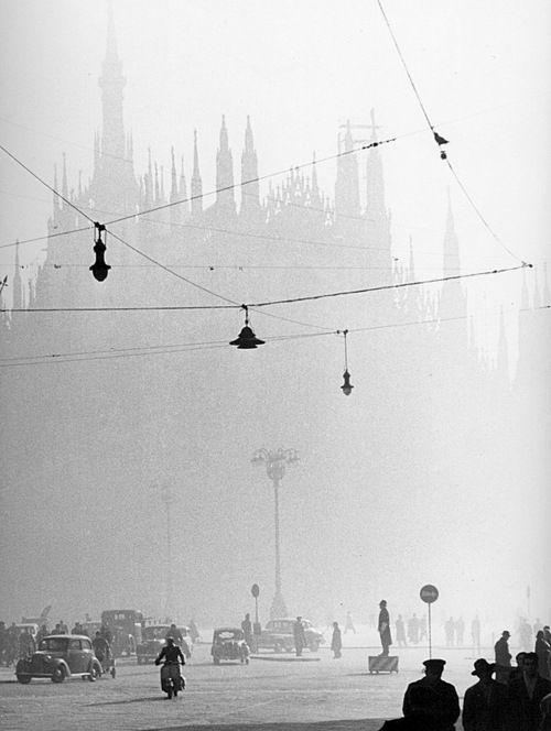 Italy. Milano, Il Duomo through the fog, 1950 // gastone lombardi