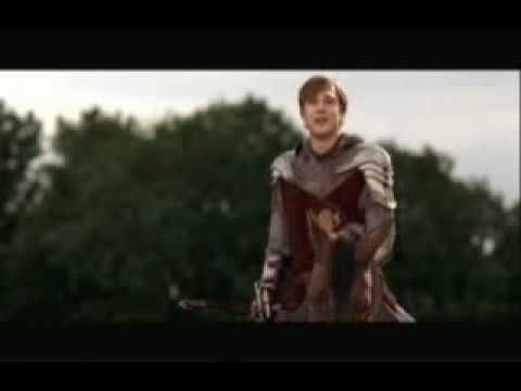 LOL PETER AND EDMUND STARTED DANCING AND PETER FELL DOWN THE STAIRS AND SAID HE WAS PRINCE CASPIAN!!!!! XDDDDDDDD
