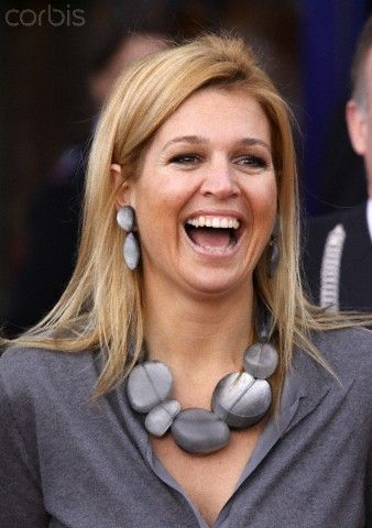Dutch queen Maxima has fallen in love with Monies jewelry. No wonder! Monies jewelry is sold exclusively in Prague's concept store DUSNI3.