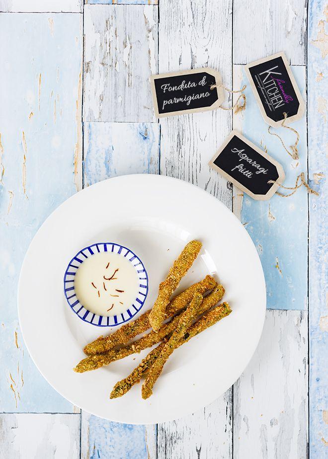 Il nostro pranzo di oggi prevede Asparagi fritti con fonduta di parmigiano e birra Goudale Ambrée. Un piatto primaverile, sfizioso, semplice e ricco allo stesso modo, su cui interviene una birra di carattere armonizzando sapori, profumi e consistenze.