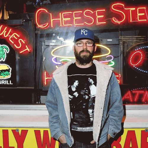 Martin Starr Won't Let You Hang at His Favorite Sushi Joint