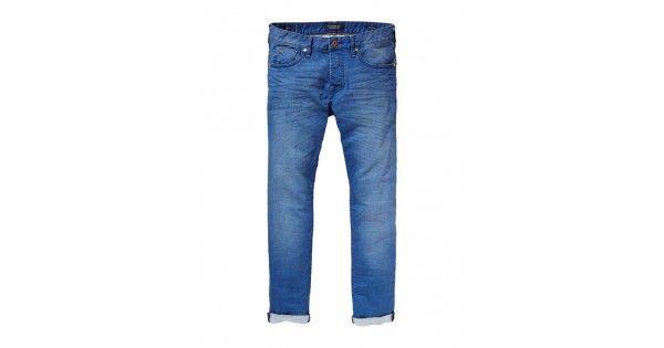 Παντελόνι με κουμπιά σε regular slim γραμμή Scotch & Soda. Σύνθεση 99% cotton 1% elastan. e-funky.gr
