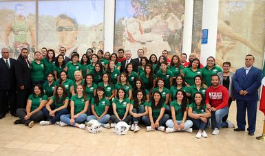 Abanderan a Selección Mexicana Femenil de Futbol Americano