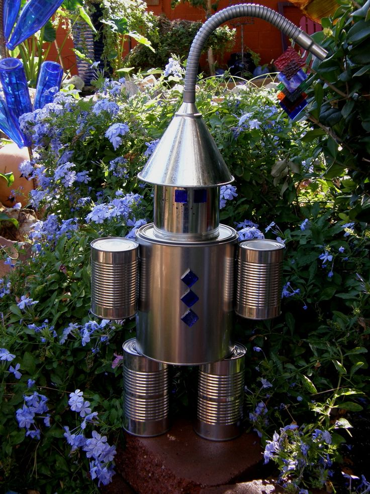 172 best images about tin man on pinterest gardens yard for Recycled yard decorations