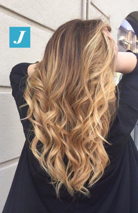 Non puoi confonderlo, è il Degradé Joelle! #cdj #degradejoelle #tagliopuntearia #degradé #igers #musthave #hair #hairstyle #haircolour #longhair #oodt #hairfashion #madeinitaly