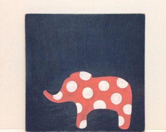 Hand geschilderde meisjes kunst aan de muur op hout, marineblauw en koraal, olifant Decor, Polka Dots muur kunst, olifant kwekerij kunst, Rustiek Decor