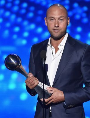 Former Yankees shortstop Derek Jeter was presented with the Icon Award at the 2015 ESPYs.  Derek started college at Michigan and joined the baseball team.  When the Yankees offered him a contract, his coach, Bill Freehan, told him to take the offer.  The rest is history.  But Derek never stopped being a Michigan fan.  Congratulations Derek Jeter!!!  The Wolverines are very proud of you.