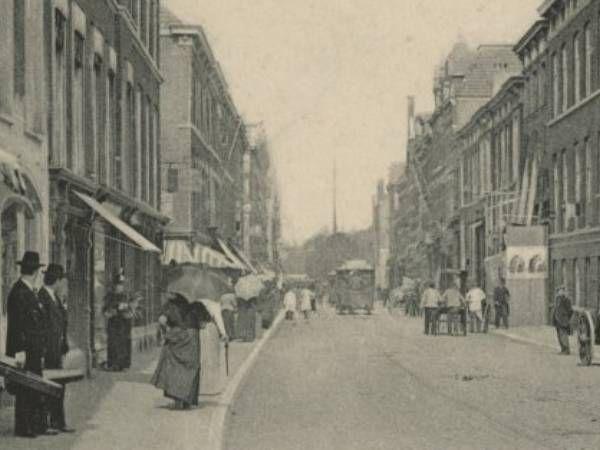 Winkels in de Piet Heinstraat in Den Haag van 1890 tot 1899