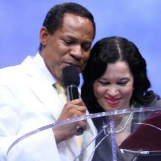 Welcome To LizMani's Blog: WHAT DIVORCE!!!!! NIGERIAN PASTOR CHRIS OYAKHILOME DENIES ADULTERY MESS, THREATENS TO SUE???!!!!! HMN