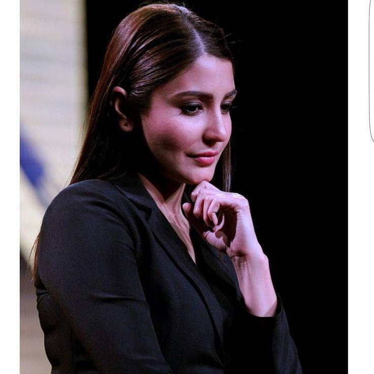 Double Tap if you Love #Anushkasharma Style !! Such an Adorable pic of Anushka Sharma from Sultan Movie Trailer Launch event in Mumbai.  @BOLLYWOODREPORT !! #india #indian #desi #mumbai #delhi #noida #gurgaon #bangalore #bengaluru #jaipur #ahemdabad #surat #pune #indore #bollywoodstyle #bollywoodfashion #indianstyle #indianfashion #FashionBlogger . For more follow #BollywoodScope and visit http://bit.ly/1pb34Kz