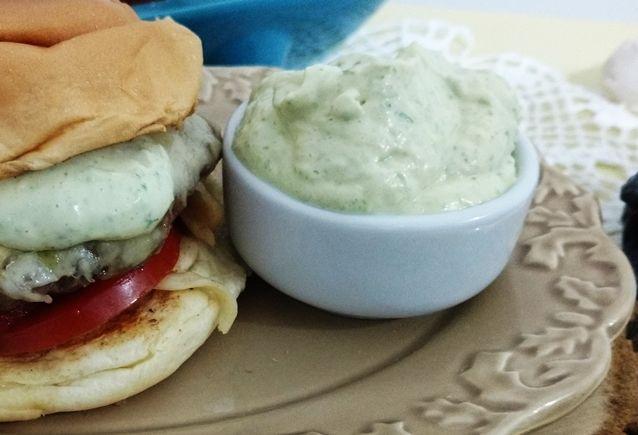 Maionese verde caseira: receita deliciosa!