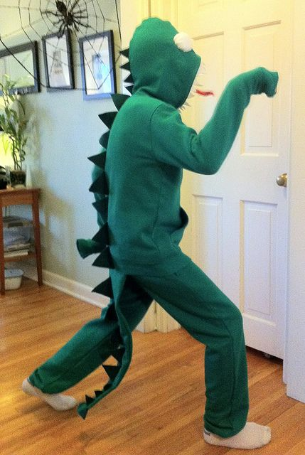 Godzilla or dragon costume from sweatshirt and pants - Lisa