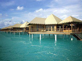 Divamboo.com - Robinson Club Maldives