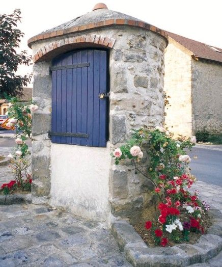 Puits communal à Moigny-sur-École en Essonne (Ile-de-France)