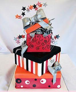 Pastel cajas con estrellas #Cakes #Pasteles y #Cupcakes para #Bodas y #15Años #Fondant #wedding #quinceanera | DaVinci http://bit.ly/1v3zvMi