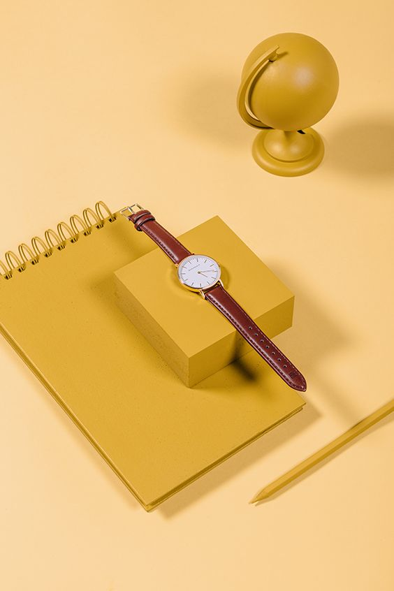 El diseño del reloj I'm Lady Baby se inspira en el estilo más clásico. Combina el dorado brillante en la esfera de 36 mm y el marrón de la correa de PU intercambiable. La parte trasera de la esfera es de acero inoxidable y tiene un mecanismo de movimiento de precisión para darle el toque de elegancia a tu look.