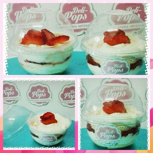 Pastel de merengue con fresas, tarta pavlova o merengon!! Un rico postre