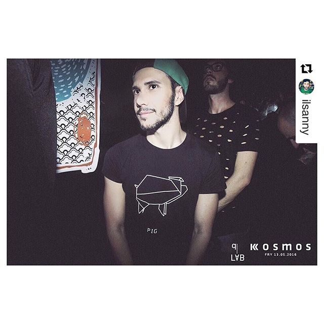 #pig #dshirt14 #style #mensfashion #dshirt #instaguy #origami #origamianimal #maiale #maialino #porco #menswear #men #fashionblogger #mensfashion #handmade #etsyshop #etsy #urbanfashion #urbanwear #mensfashion #menswear #fashionblogger #outfitoftheday #urbanlife #trendy #menstyle #streetsyle #fashionstyle #designedshirt #de_sign_ed-shirt