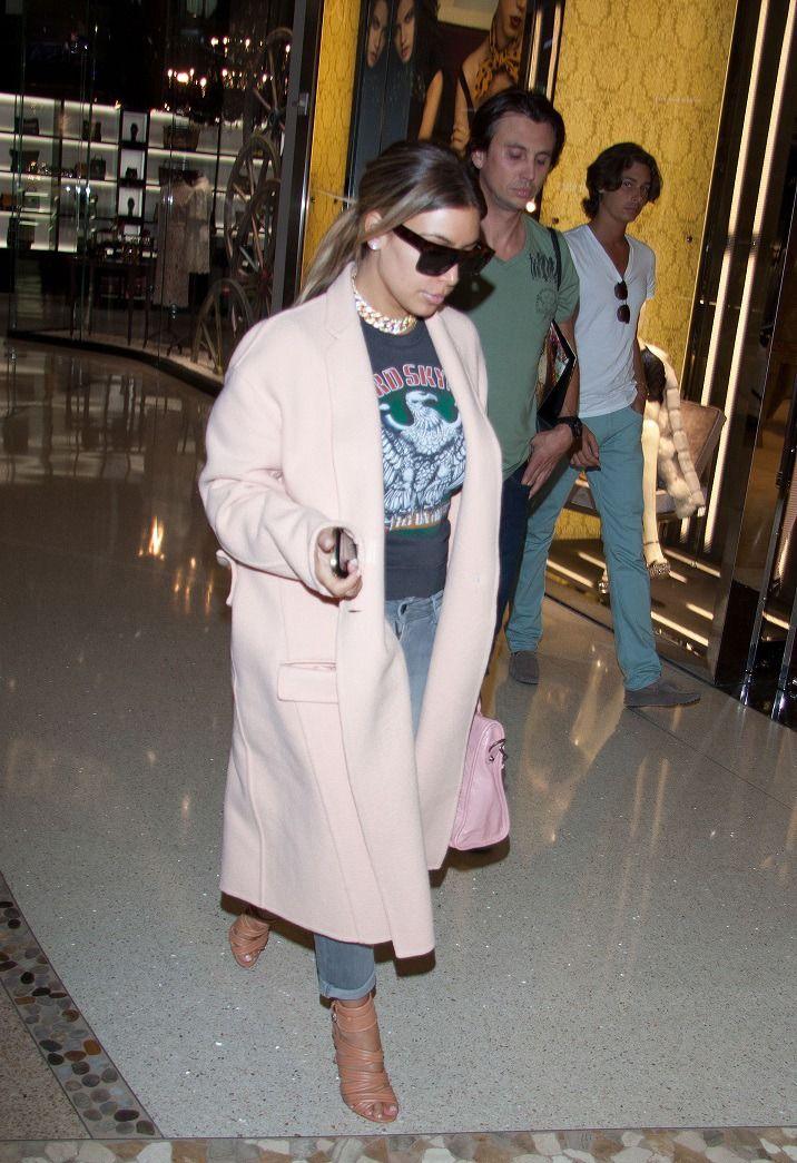 Kim Kardashian Fashion Style Hair Inspiration Famous Beautiful Celebrity Women Fashion