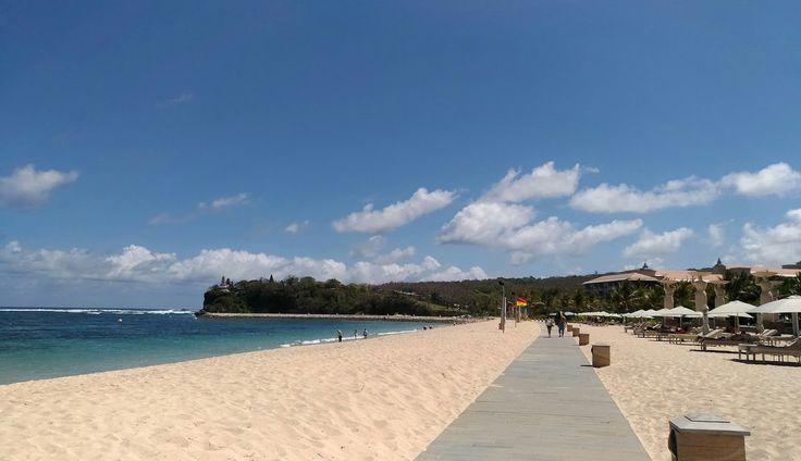 Pantai Geger Pantai Pasir Putih yang Tenang di Bali - Bali