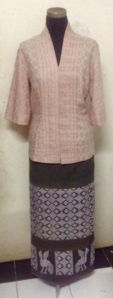 ATBM blouse and Sumba Sarong for Sandra