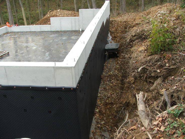 Hillside backs garage location northern kentucky for Building a detached garage on a slope