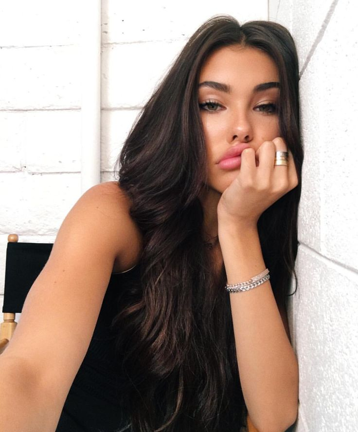 """400.6k Likes, 2,195 Comments - MADISON BEER (@madisonbeer) on Instagram: """"ya girl is runnin on 4 hours of sleep and wants pizza"""""""