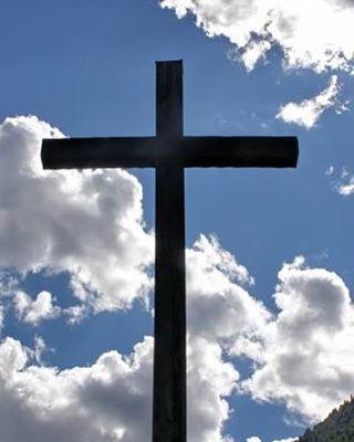 """E a Cruz está vazia .... nós da MamaLu amamos essa data, pois para nos significa :sacrifício, renovo, esperança é uma nova forma de viver !! Obrigada Jesus pelo maior sacrifício de Amor ❤️🙏🏻!! Feliz Páscoa !!! """"Ele foi ferido pelas nossas transgressões e moído pelas nossas iniquidades; o castigo que nos traz a paz estava sobre ele, e pelas suas pisaduras fomos sarados."""" (Isaías 53:5) #cruz #pascoa #jesus #jesuscristo #cristo #deus #biblia #esperança #renovo #sonhos #espiritosanto #palavra"""