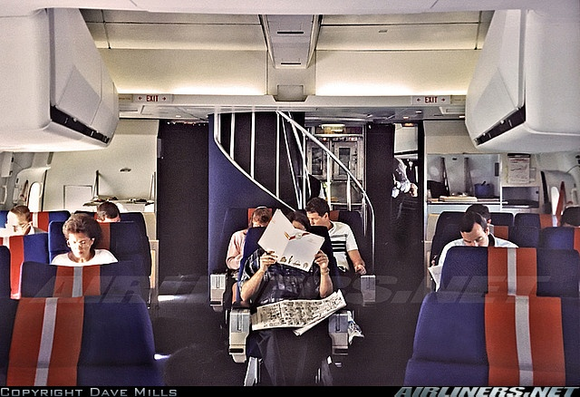 Travelling In A Boeing 747 In The 1970s Was Pretty Damn ...  Twa 747 Cabin