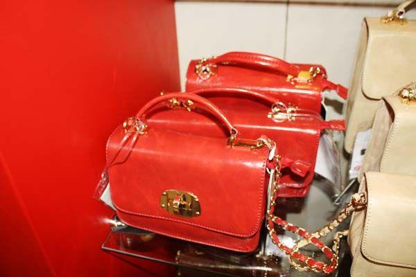 Bolsas Vermelhas -  Elas estão com tudo nas coleções de inverno da Couromoda 2013