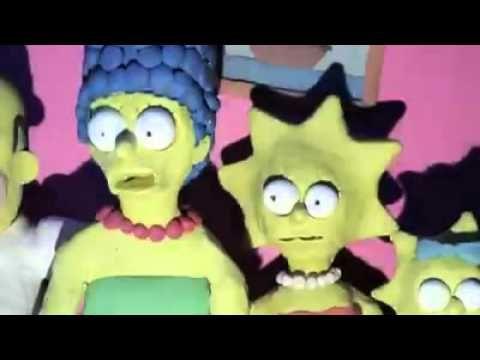 Los simpson introduciendolos en la película de terror