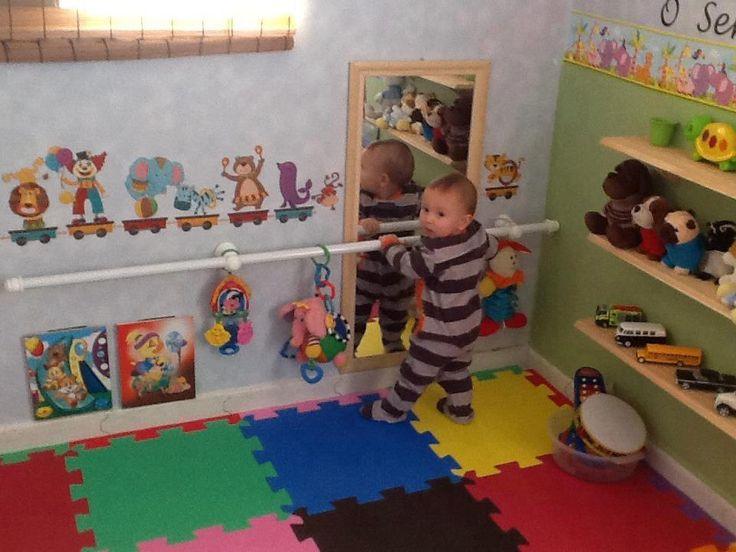 Gravidinhas e m ezinhas quarto montessori para o for Espejo y barra montessori