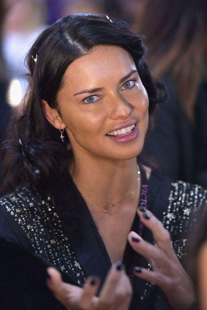 a6a4e1f35cc Adriana Lima sexy Victoria Secret Angels