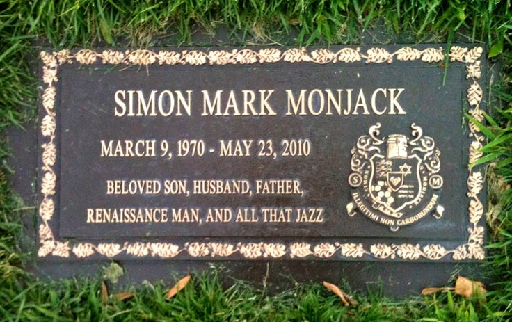 Simon Monjack (1970 - 2010) Monjack was a British-born screenwriter who had two films on his résumé, Factory Girl and Two Days, Nine Lives. Sadly thought, Monjack is probably best known for being the husband of the late actress Brittany Murphy, who just died five months ago at the age of 32.