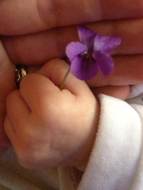 Laura Pausini regala a sus fans 'un pedazito' de su hija Paola