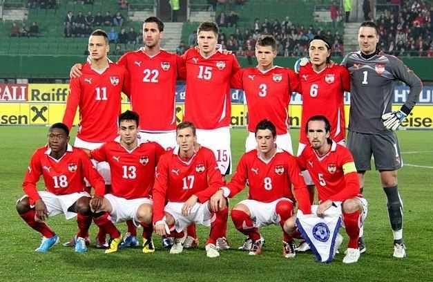 Inilah skuad dan daftar pemain Timnas Austria yang akan bertempur di Euro 2016. Tim asuhan pelatih Marcel Koller dengan 23 pemain pilihannya yang akan bermain di Piala Eropa 2016 dengan mengawali d…