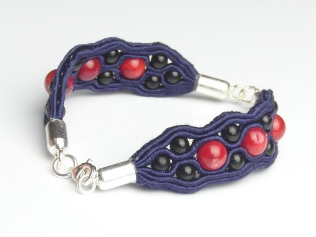 komplet biżuterii sutasz granatowy, czarny onyks, czerwony koral, bigle i końcówki srebrne, zapięcia srebrne
