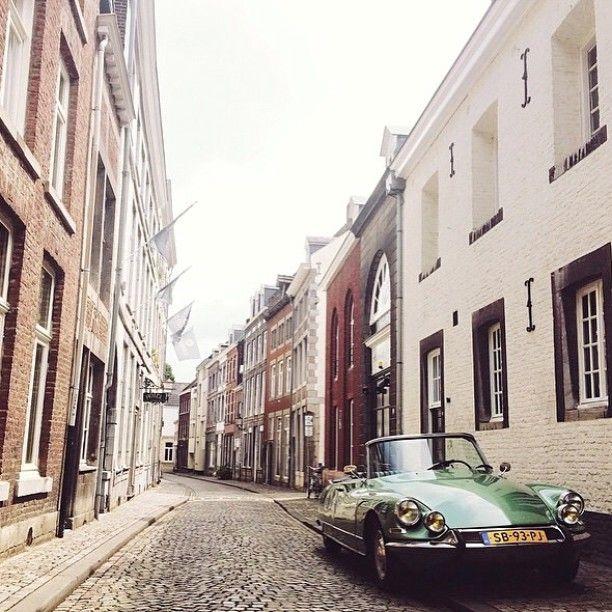 Nice ride - Lenculenstraat Mtricht Maastricht - Citroen citroenDS cabriolet