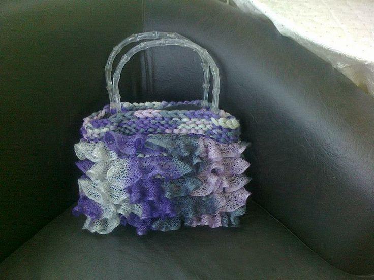Ρομαντική τσάντα με βολάν!