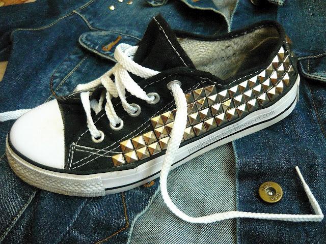 Studed Converse!! AHHHH LOVE!!