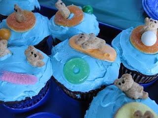 cupcakes perfeitamente perfeitos para festas na piscina   – Pressley & Bentley